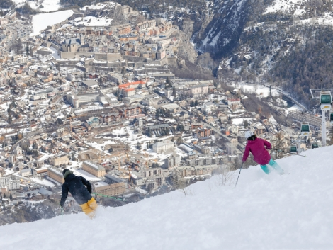 On the run down to Briançon there are fabulous views of the town and the old walled city of Vauban. Pic: Zoom