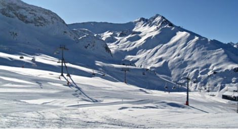 Alpine Answers can arrange ski and snowboard holidays across the Alps and USA