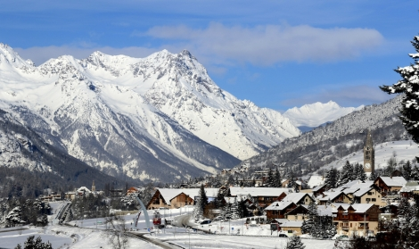Serre Chevalier resort is a series of villages based on charming old settlements – this is part of Chantemerle (pic: Zoom)