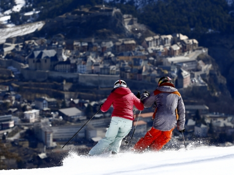 Ski into Briançon, the highest 17th Century fortified old town in France © Zoomjpg