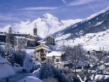 For a taste of skiing in unspoilt France, try Val Cenis