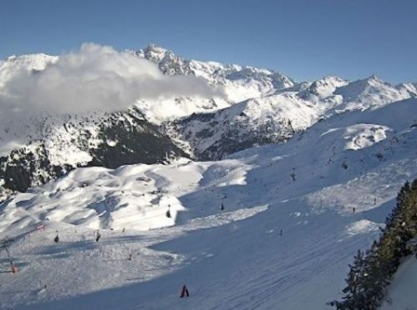 Good looking conditions but mild in Méribel this afternoon, with the chance of rain lower down at the weekend – 31 January 2020