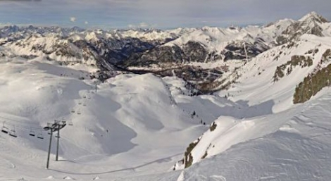 Excellent early snow cover in the southern French Alps. This is Montgenèvre (montgenevre.com)