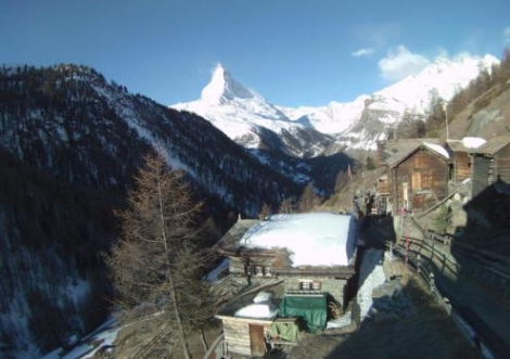 Looking a little spring-like low down in Zermatt, but there is still lots of good skiing at altitude – 8 March 2019 – Photo: zer
