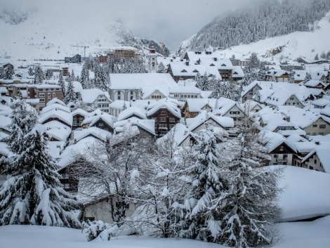 Andermatt is reporting the deepest snow in the worldL with 6m (20ft) on its upper slopes. Pic: snow-forecast.com