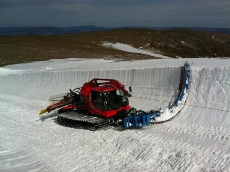 The half pipe has been made using the same model of machine used to cut the half-pipe for the Salt Lake City Winter Olympics in