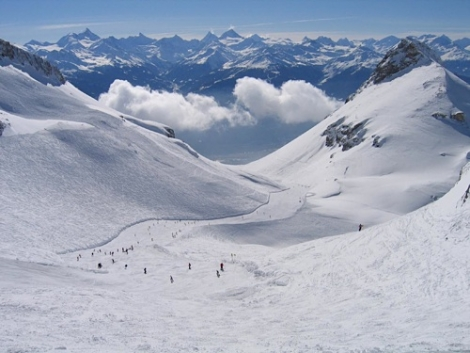 Ski in Crans-Montana and 31 other ski resorts for CHF499 if you buy this weekend
