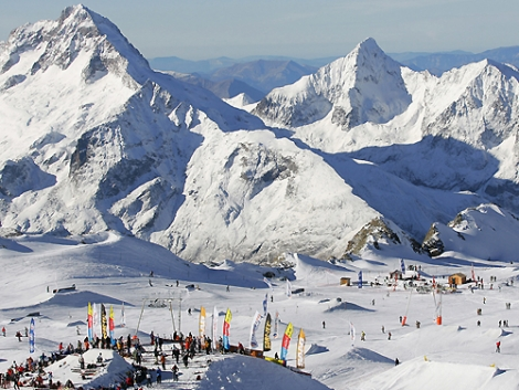 Ski in Les 2 Alpes for €1 during April when you stay at selected hotels