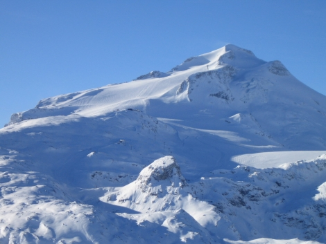 The Grande Motte looked stunning on 13 December under blue skies and with metres of fresh snow