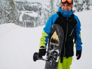 Resorts offer free passes to commemorate Jake Burton Carpenter
