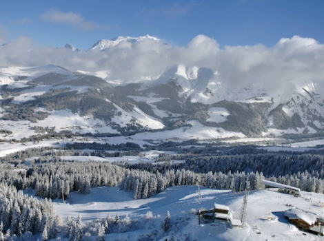 There's no better time to ski here than in March. Pic: Megève Tourisme - Jean-Pierre Noisillier