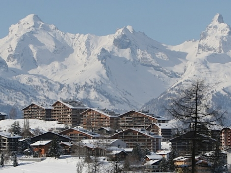 The 23-year-old skier was caught in a slide on the Col de la Mouche in Nendaz