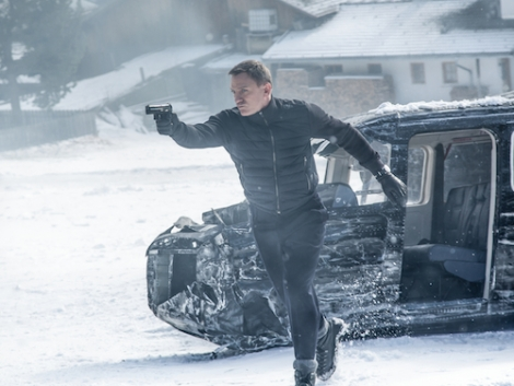 James Bond action takes to the slopes of Obertilliach © 2015 Sony Pictures