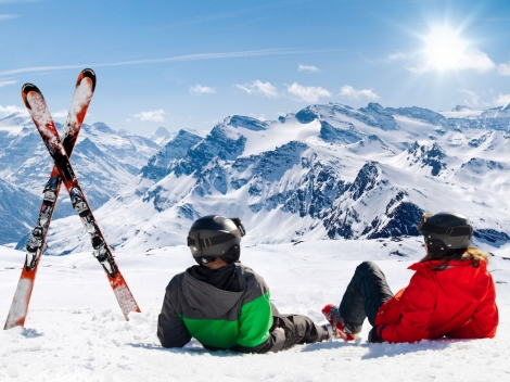 Ski the Alps and be paid for it by ski instructor booking platform SkiBro