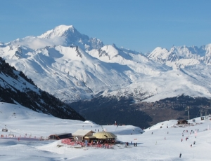 Skiing in France and the US now ends