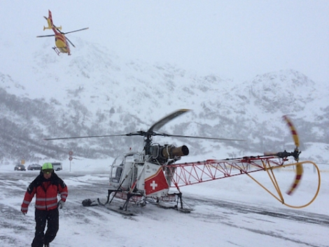 Five skiers have died in two separate avalanches in Switzerland and France this weekend