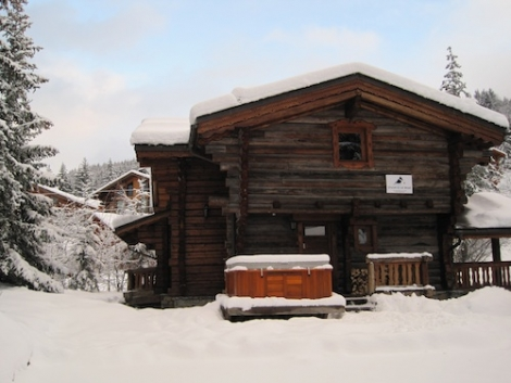Ski Amis' Chalet Elliot in La Tania that the WTSS team loved staying in