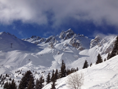 Courchevel n Wednesday – quite a lot more snow has fallen since