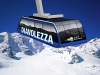 Skiers rescued from Swiss cable car