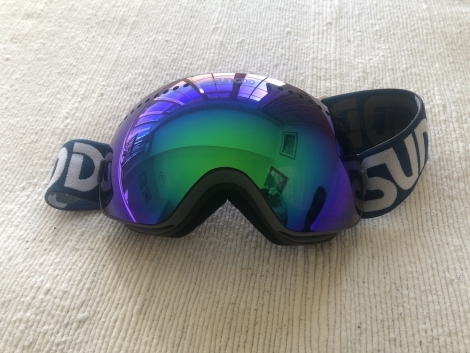 GogglesforDocsUK needs ski goggles for NHS workers who have no eye protection