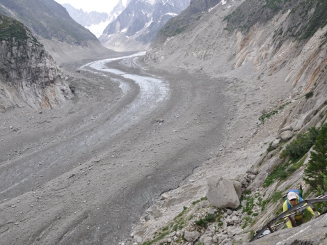 Join other volunteers to help clean up the Mer de Glace in Chamonix