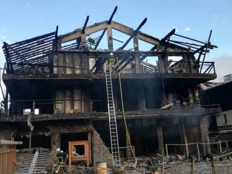 One of the buildings gutted by the fire in Morzine. Pic: facebook.com/ridersrefuge