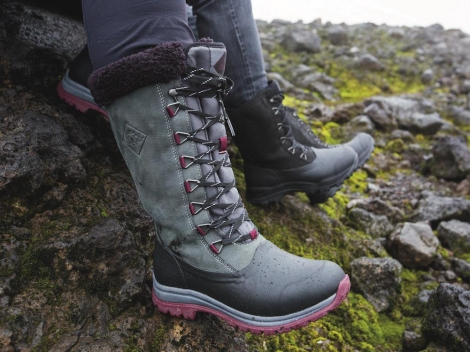 Win a pair of Arctic Apres Lace-Up Muck Boots for your ski holiday