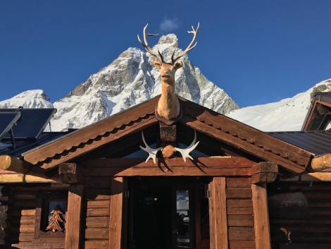The entrance to one of WTSS's favourite Cervinia restuarants: Chalet Etoile