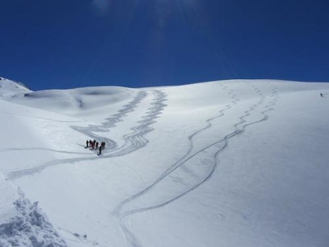 Learn how to be more aware of avalanches and snow conditions when skiing off-piste