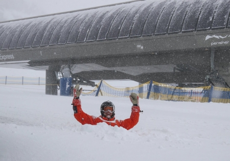 More than 70cm of snow has fallen since Perisher announced its season will close 8 October