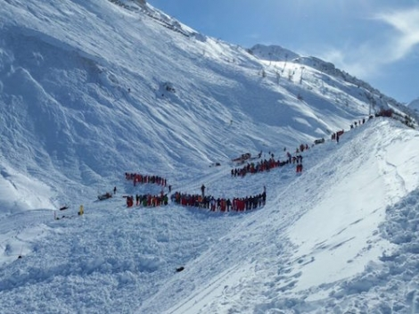 More than 100 people were involved in the rescue of skiers in Tignes