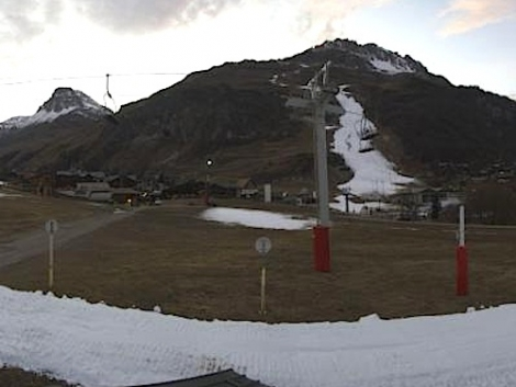Not looking its best for December. Val d'Isère waits for more snow.