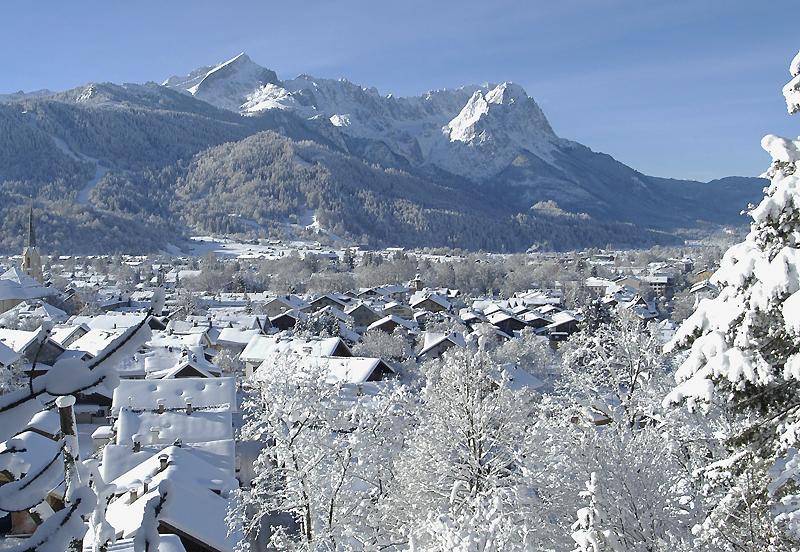 Where to Ski And Snowboard - GarmischPartenkirchen on bansko ski map, madonna di campiglio ski map, tamarack resort ski map, courchevel ski map, germany ski map, garmisch-partenkirchen ski poster, st. moritz ski map, deer valley ski map, cortina d'ampezzo ski map, buck hill ski map, chamonix ski map, klosters ski map, kitzbuhel ski map, grenoble ski map, schladming ski map, zermatt ski map, europe ski map, garmisch-partenkirchen ski jump,